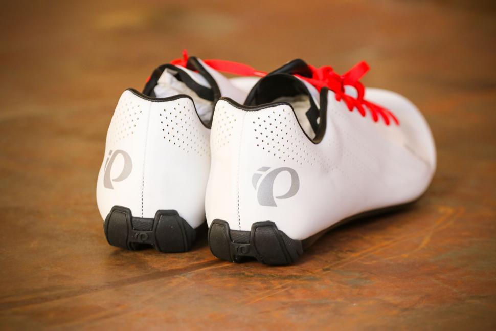 Pearl Izumi M Tour Road WE 45 - heels.jpg