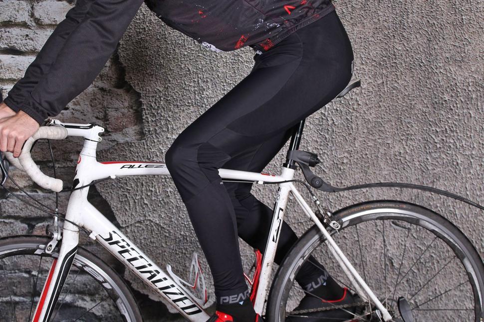 Pearl Izumi Pro Pursuit Cycling Bib Tight - riding.jpg
