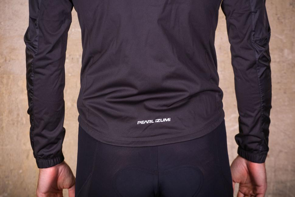 Pearl Izumi Elite Pursuit Hybrid jacket - tail