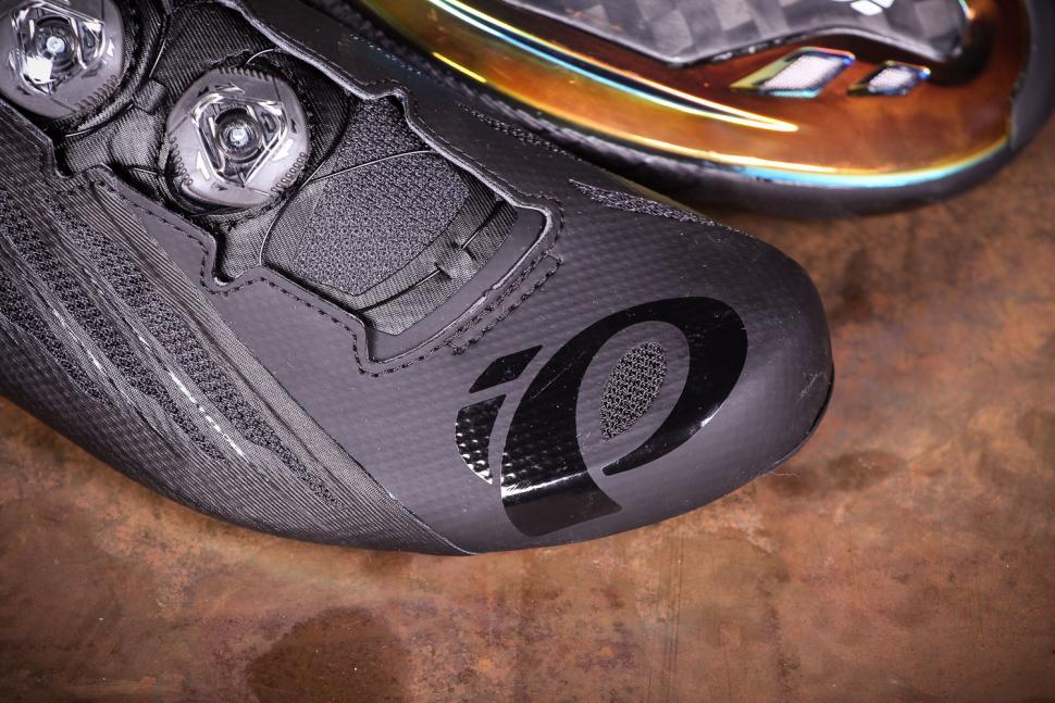 Pearl Izumi Shoes P.R.O Leader v4 Unisex - toe.jpg