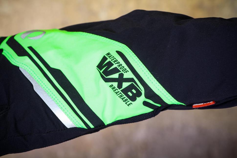 Pearl Izumi Unisex Pro Barrier WXB Gloves - detail.jpg
