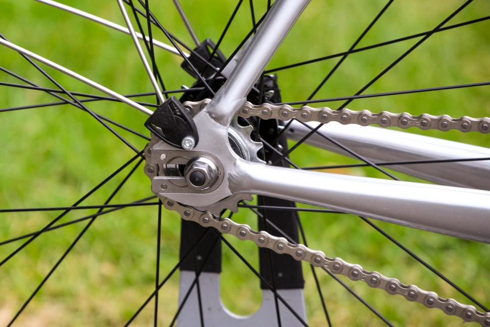 Pearson Once More Unto The Breach - rear drop out and hub.jpg