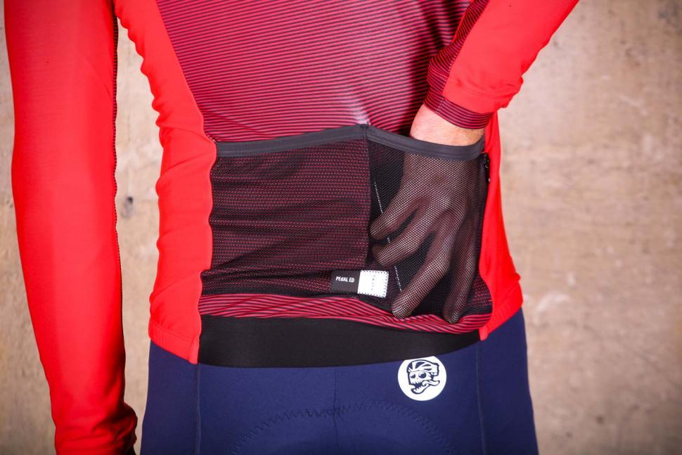 PEdAL ED Kobe Thermo Jersey - pockets.jpg