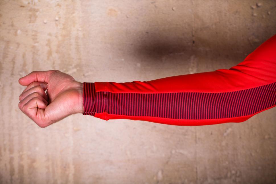 PEdAL ED Kobe Thermo Jersey - sleeve.jpg