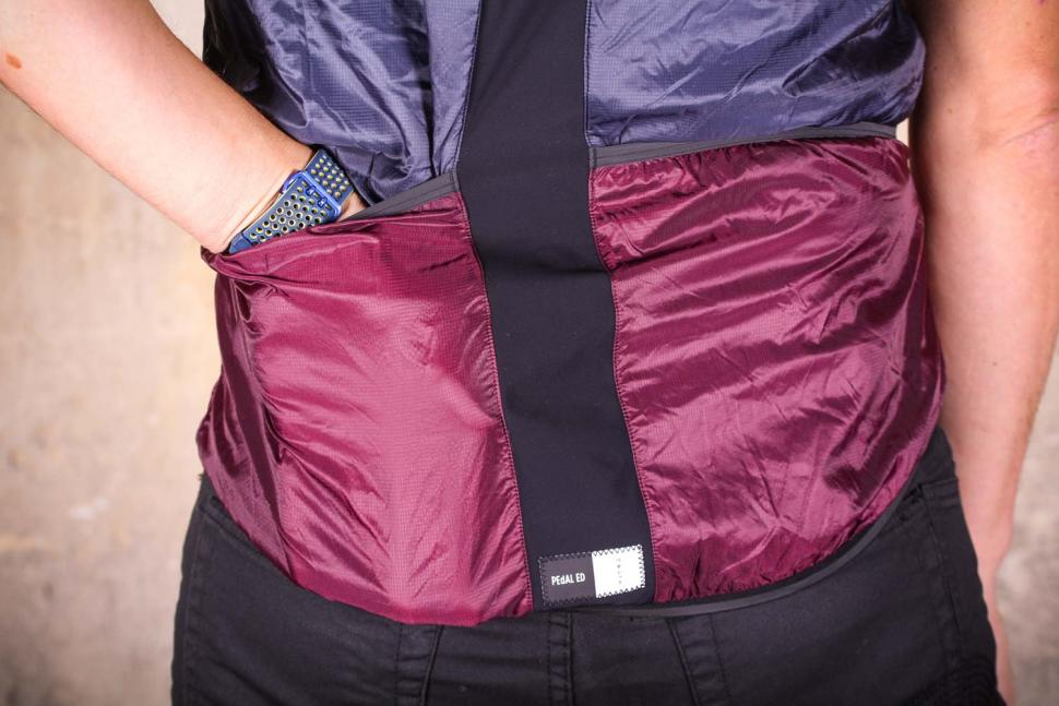 PEdAL ED Tokaido Alpha Vest - pockets.jpg