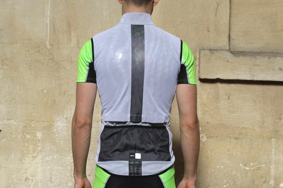 Pedaled Kaze Access Vest - back.jpg