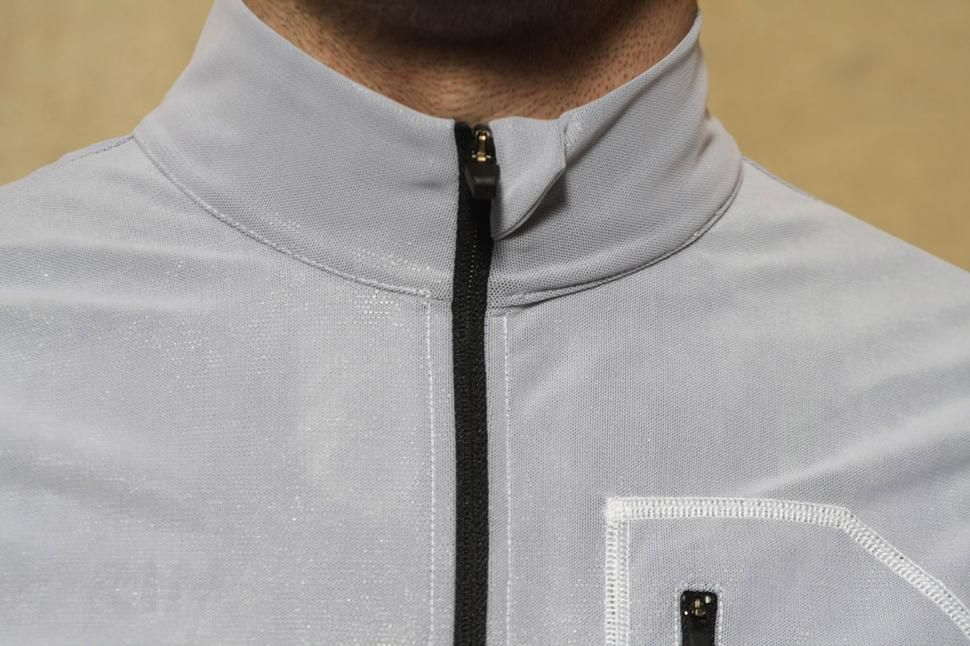 Pedaled Kaze Access Vest - collar.jpg