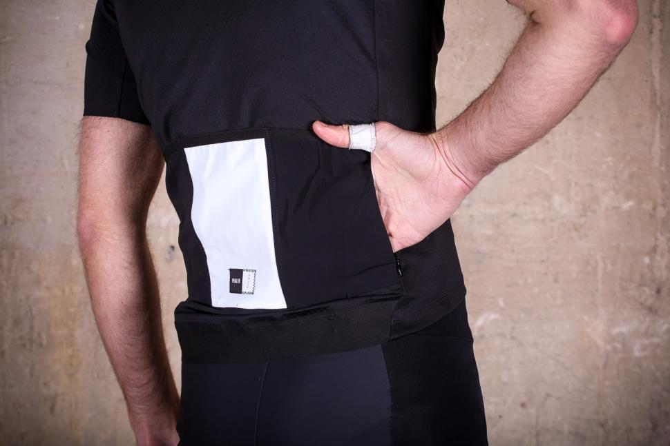 PedalED Shawa Jersey - pocket 2.jpg