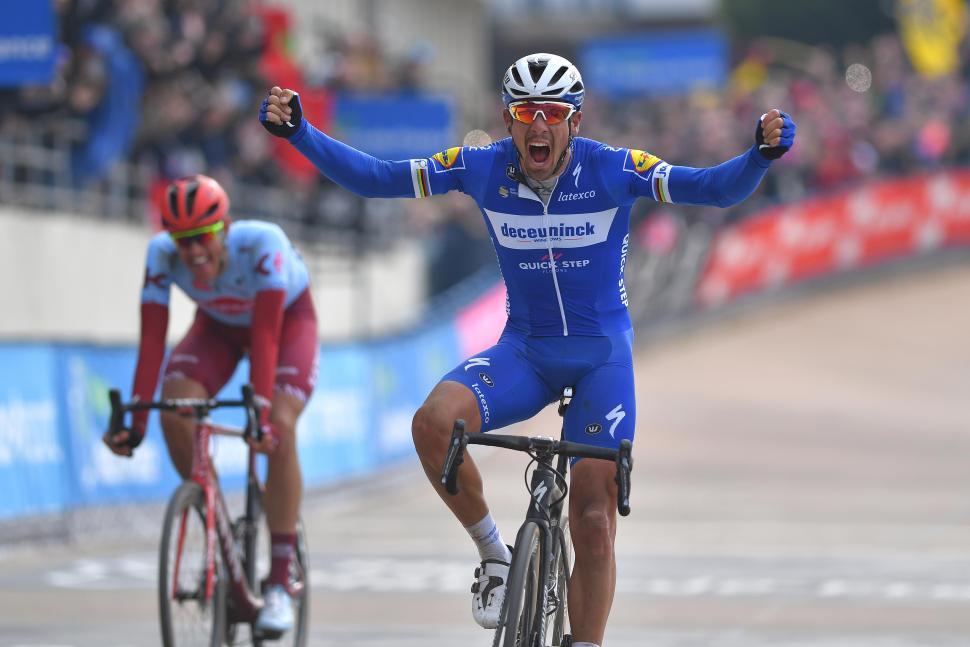 Philippe-Gilbert-Paris-Roubaix-1---_Tim-De-Waele---Getty-Images