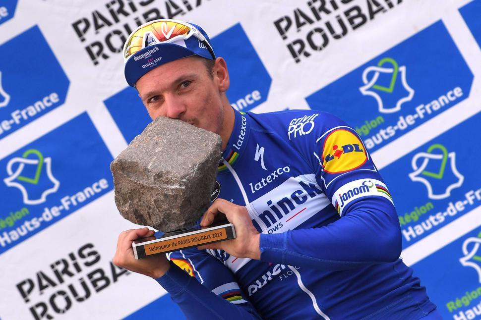 Philippe-Gilbert-Paris-Roubaix-2---_Tim-De-Waele---Getty-Images.JPG