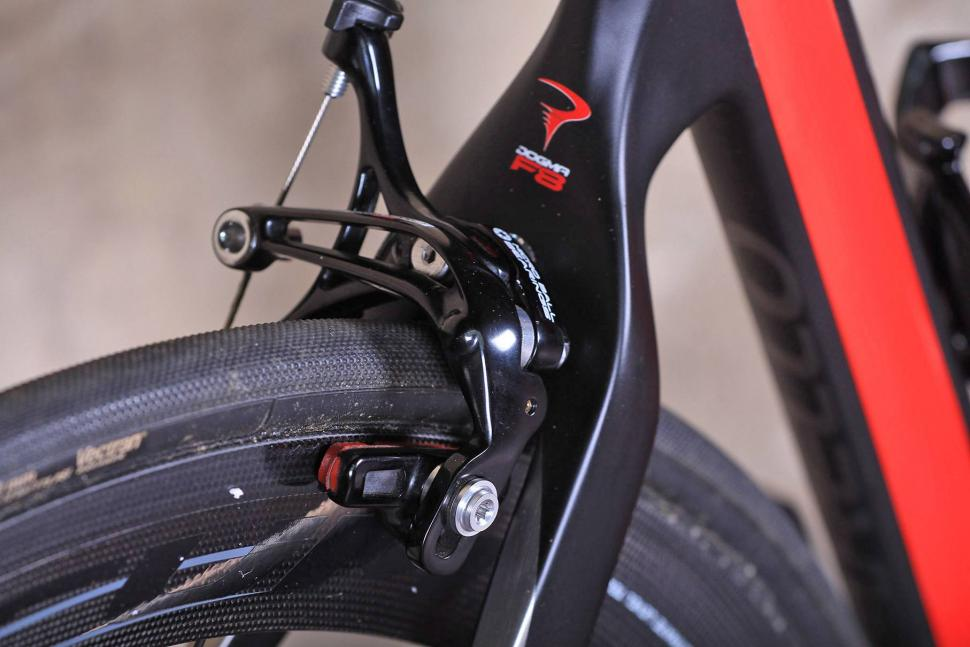 Pinarello Dogma F8 - rear brake.jpg