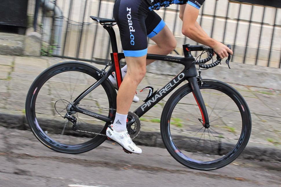 Pinarello Dogma F8 - riding 1.jpg