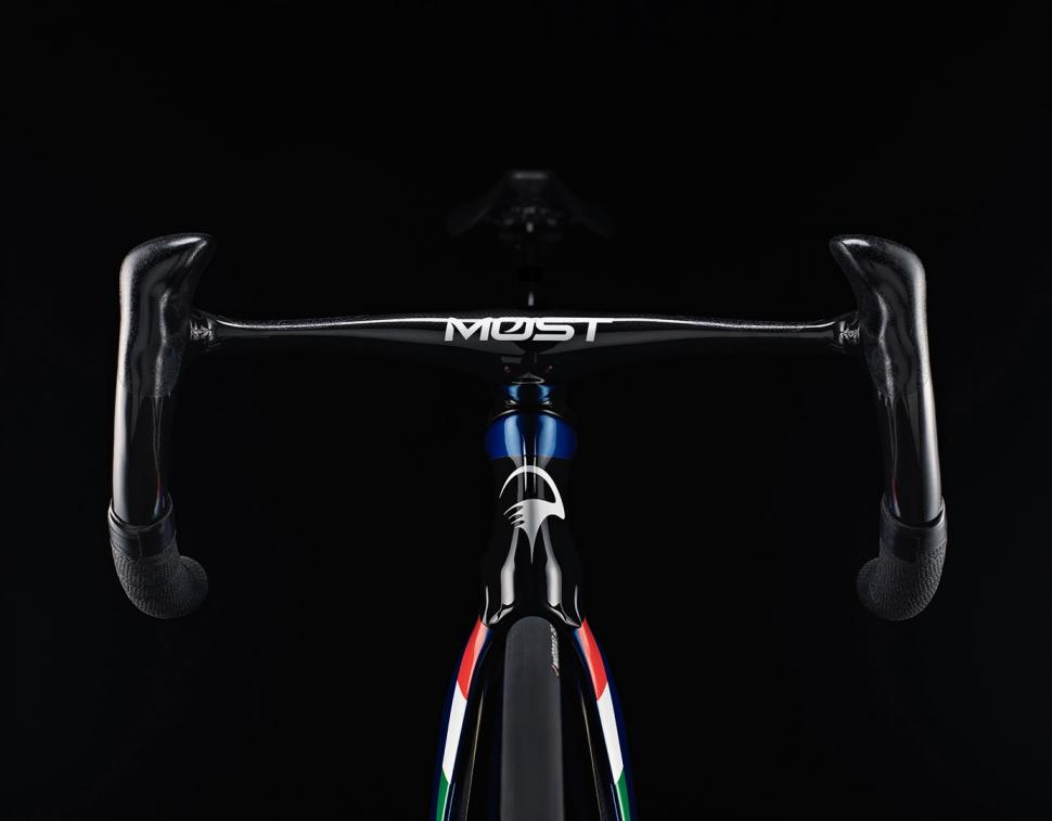 Pinarello MAAT 2020 track bike - 5.jpg
