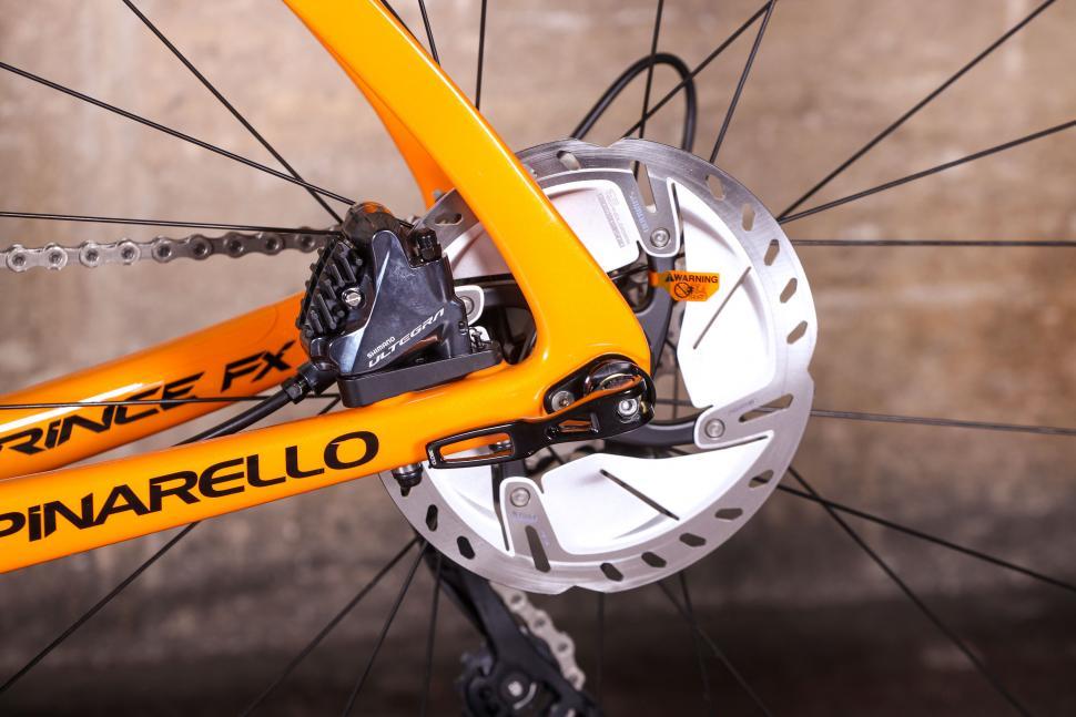 Pinarello Prince FX - rear disc brake.jpg