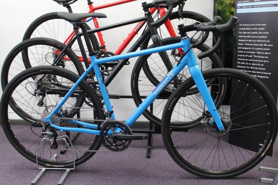 Pinnacle Arkose Two full bike.jpg