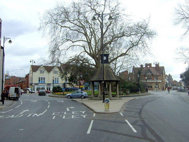 The Plain, Oxford, before Cycle City Ambition works (licensed CC BY-SA 2.0 on Wikimedia Commons by ceridwen).jpg