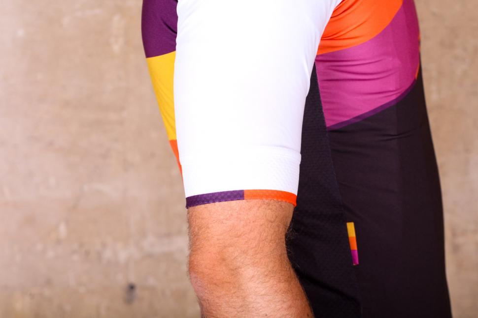 podia_club_colours_short_sleeve_jersey_-_sleeve_2.jpg