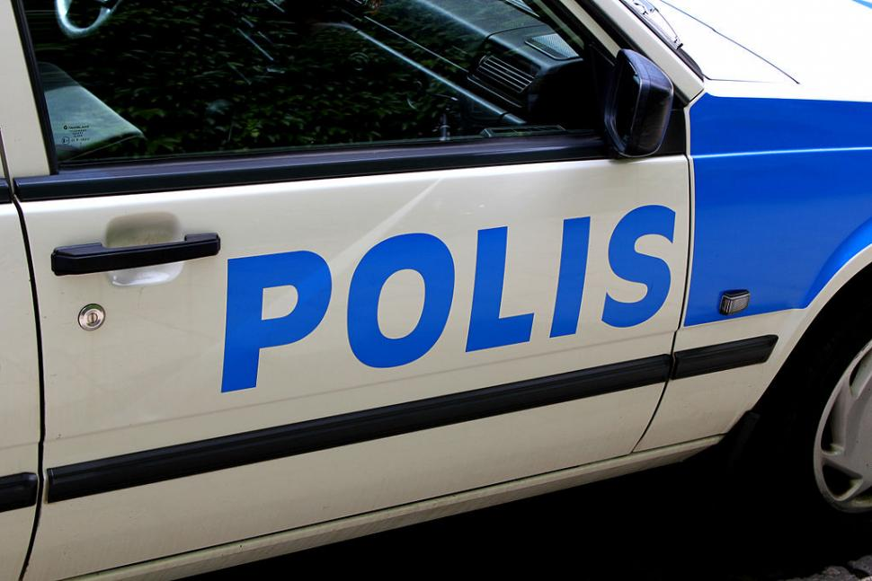 police_car_in_sweden_licensed_cc_by_2.5_dk_by_sigurour_olafsson_norden.org.jpg