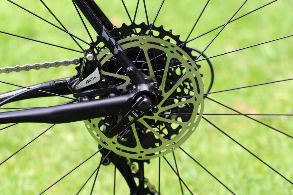 Polygon Bend CT5 - rear disc brake.jpg