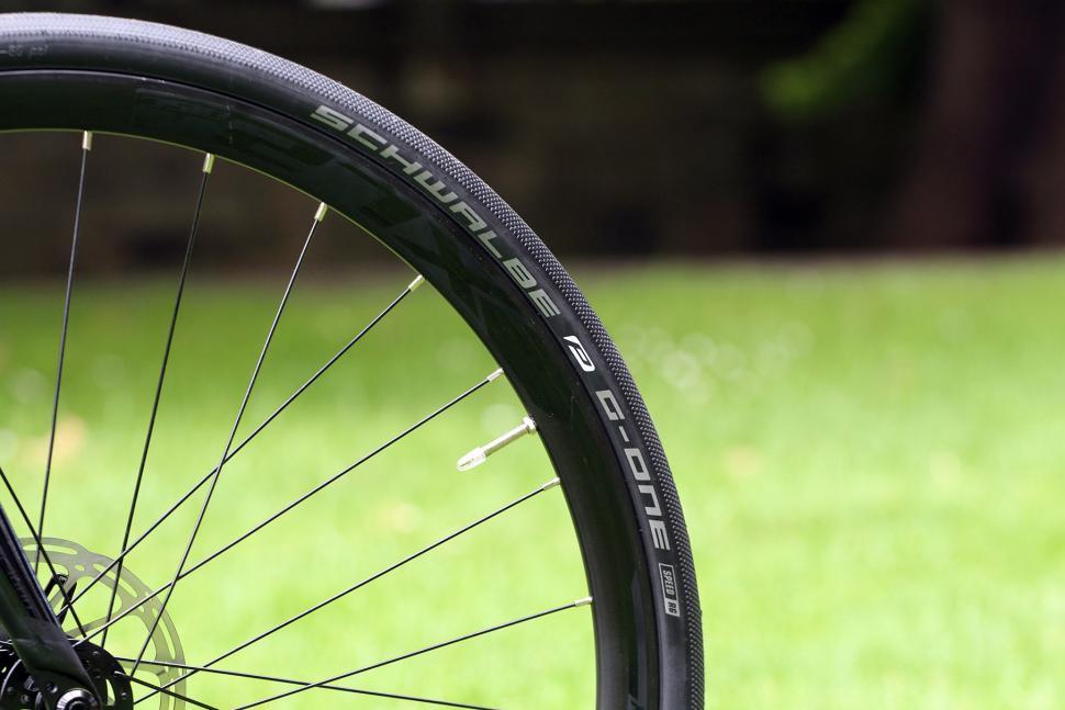 Polygon Bend CT5 - tyre.jpg