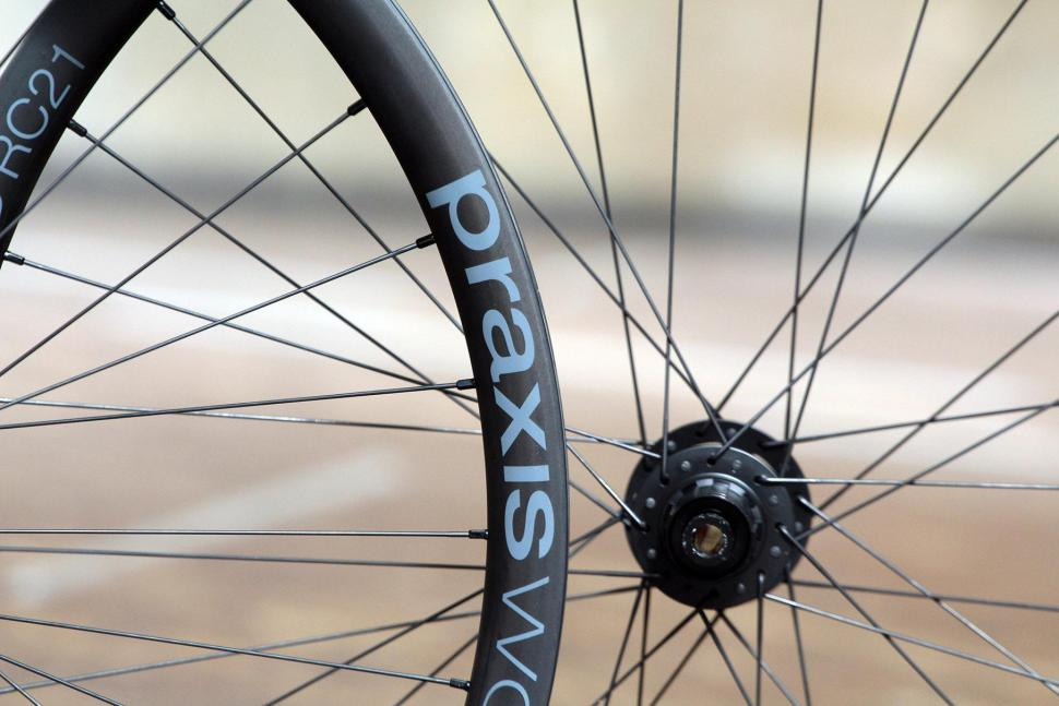Praxis Works RC21 wheelset - rim detail.jpg