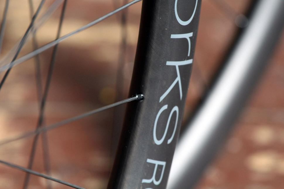 Review: Praxis Works RC21 wheels | road cc