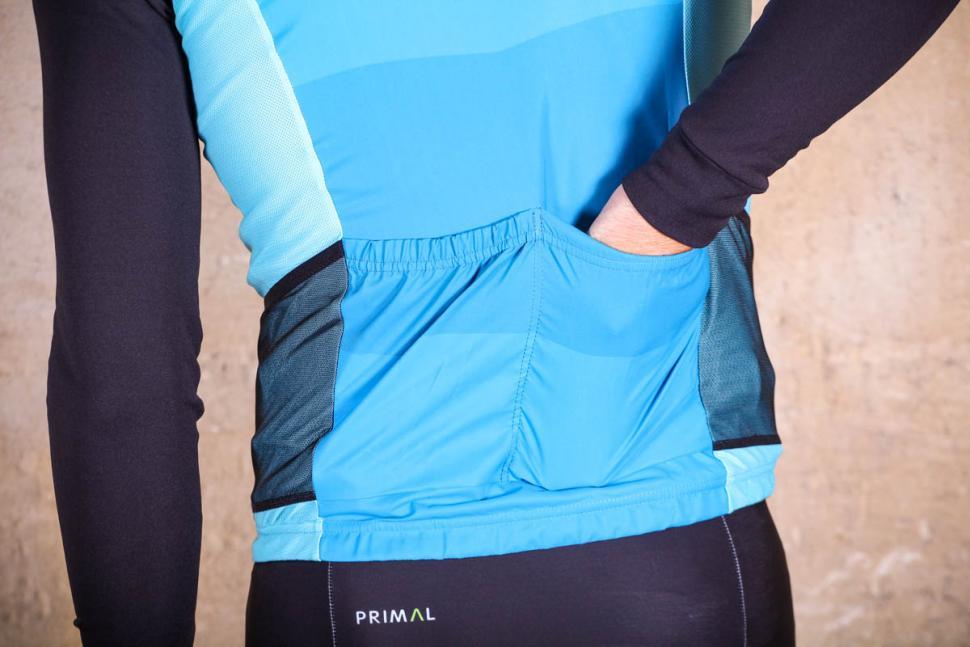 Primal Randonneur Mens 4 Pocket Wind Vest - pockets.jpg