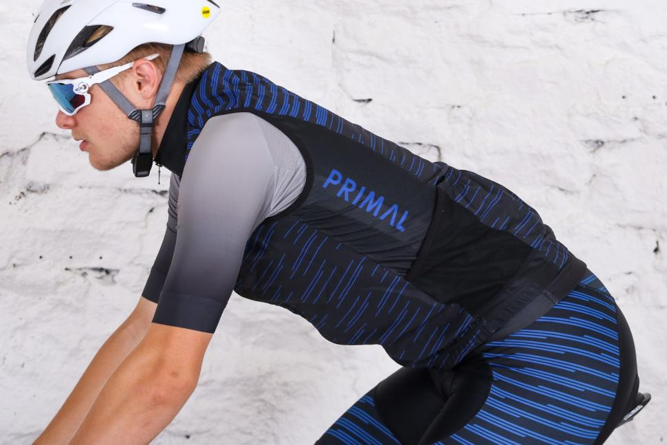 Primal Stirling Men's Wind Vest - riding.jpg