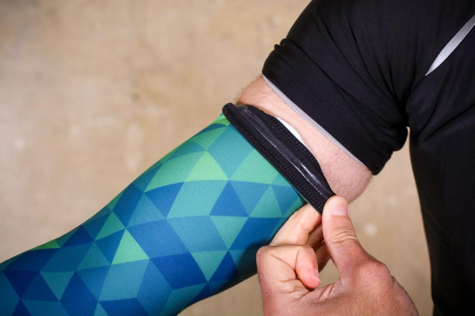 Primal Trimotif Mens Thermal Arm Warmers - cuff.jpg