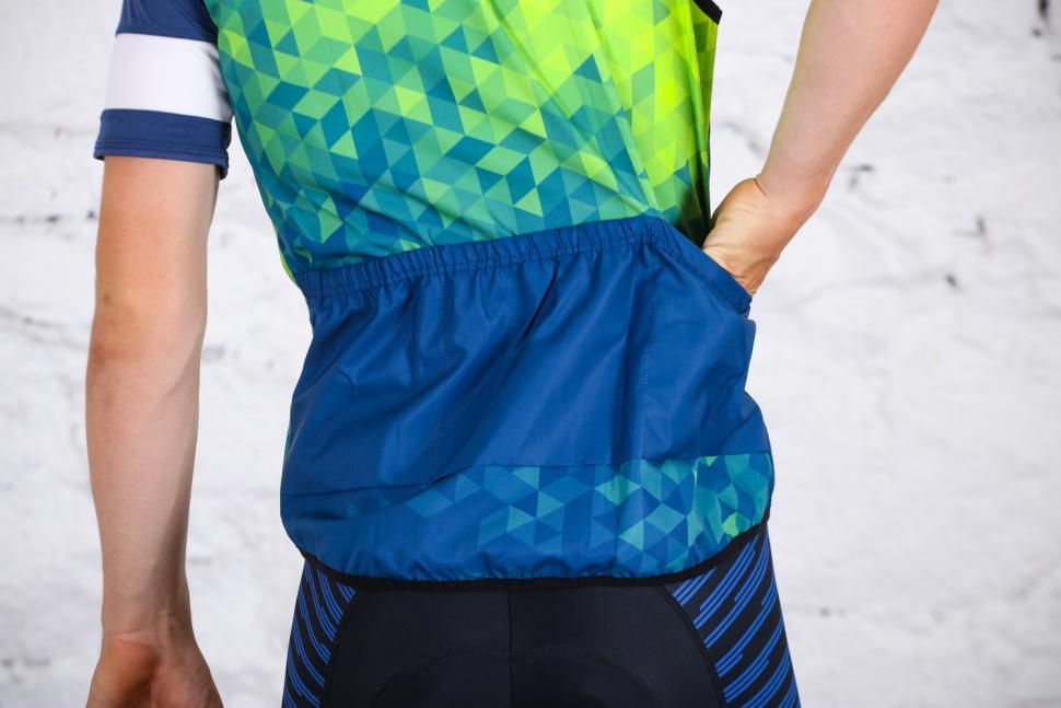 Primal Trimotif Men's Wind Vest - pockets 2.jpg
