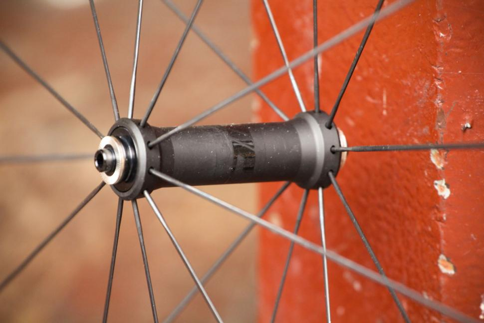 Prime BlackEdition 50 Carbon Wheelset - front hub