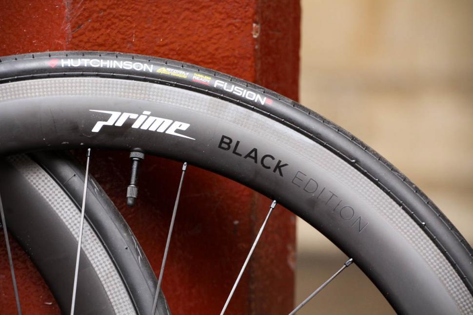 Prime Blackedition 50 Carbon Wheelset Rim Detail