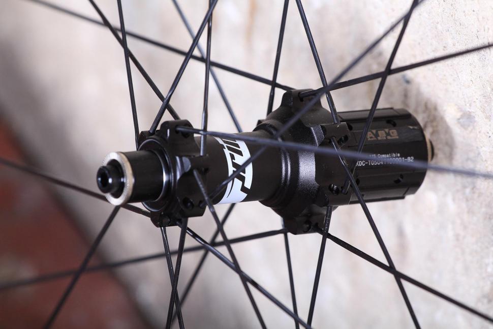 Prime RP-38 carbon clincher wheelset - rear hub 2.jpg