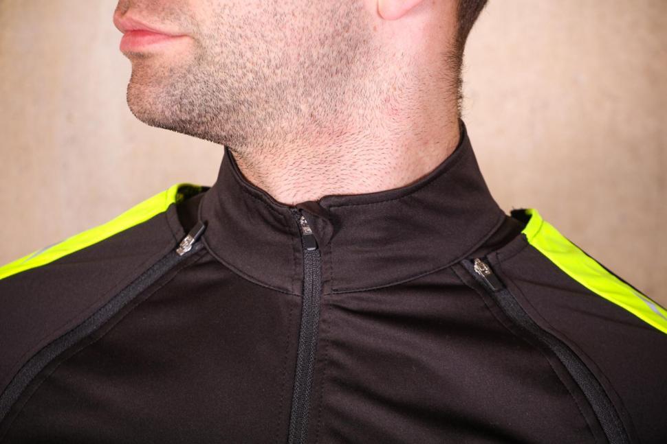 Proviz Sportive Convertible Men's Cycling Jacket Gilet - collar.jpg
