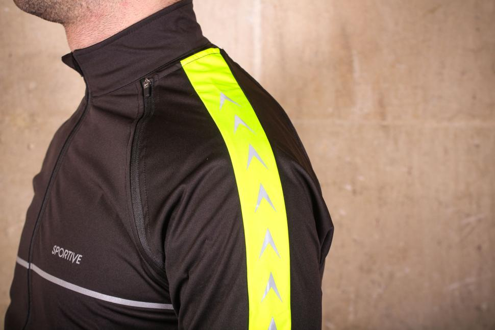 Proviz Sportive Convertible Men's Cycling Jacket Gilet - shoulder.jpg
