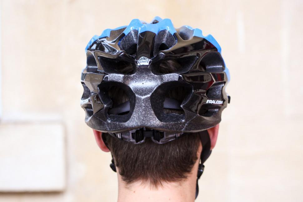 raleigh_extreme_pro_black_and_blue_helmet_-_back.jpg