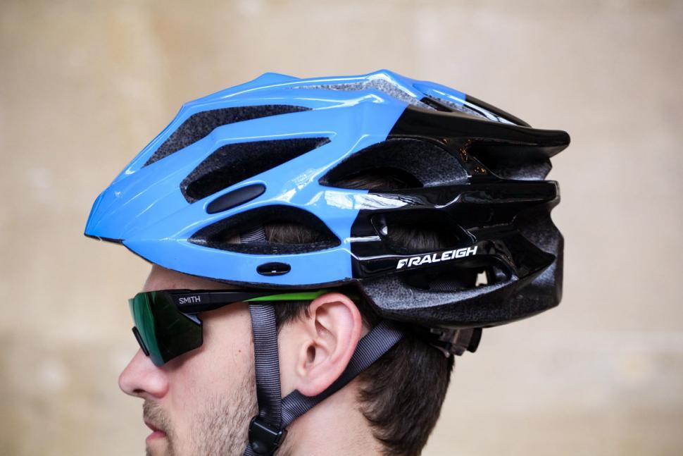 raleigh_extreme_pro_black_and_blue_helmet_-_no_peak_3.jpg