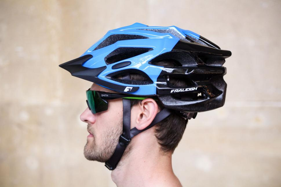 raleigh_extreme_pro_black_and_blue_helmet_-_side.jpg