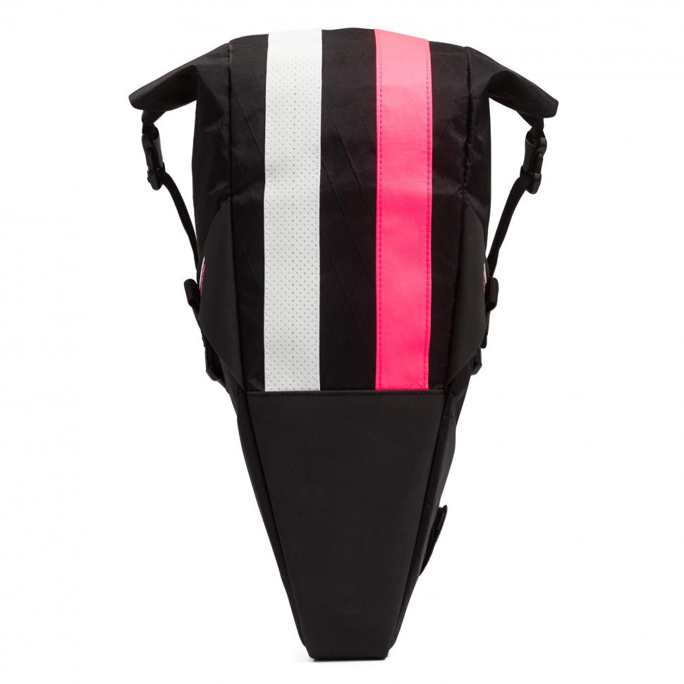 Rapha-Apidura-Saddlebag-1.jpg