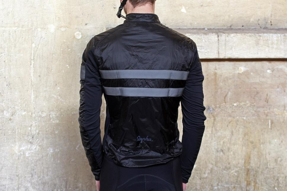 Rapha Brevet Insulated Jacket - back.jpg