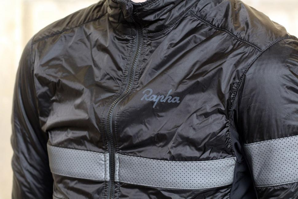 Rapha Brevet Insulated Jacket - chest.jpg