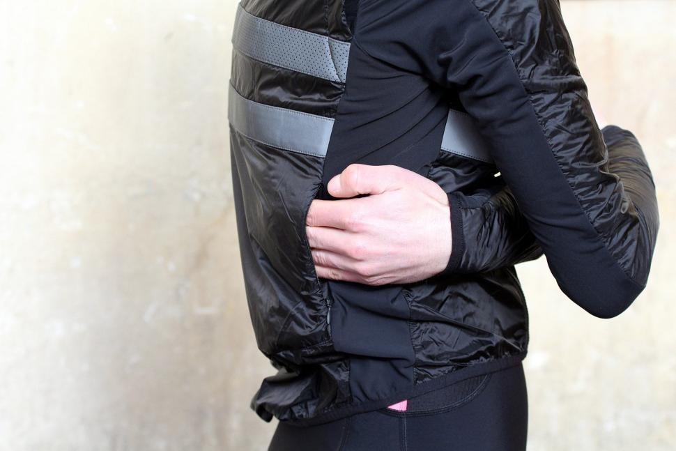 Rapha Brevet Insulated Jacket - pocket.jpg