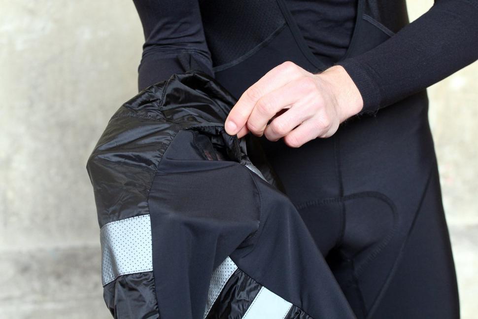Rapha Brevet Insulated Jacket - vent.jpg