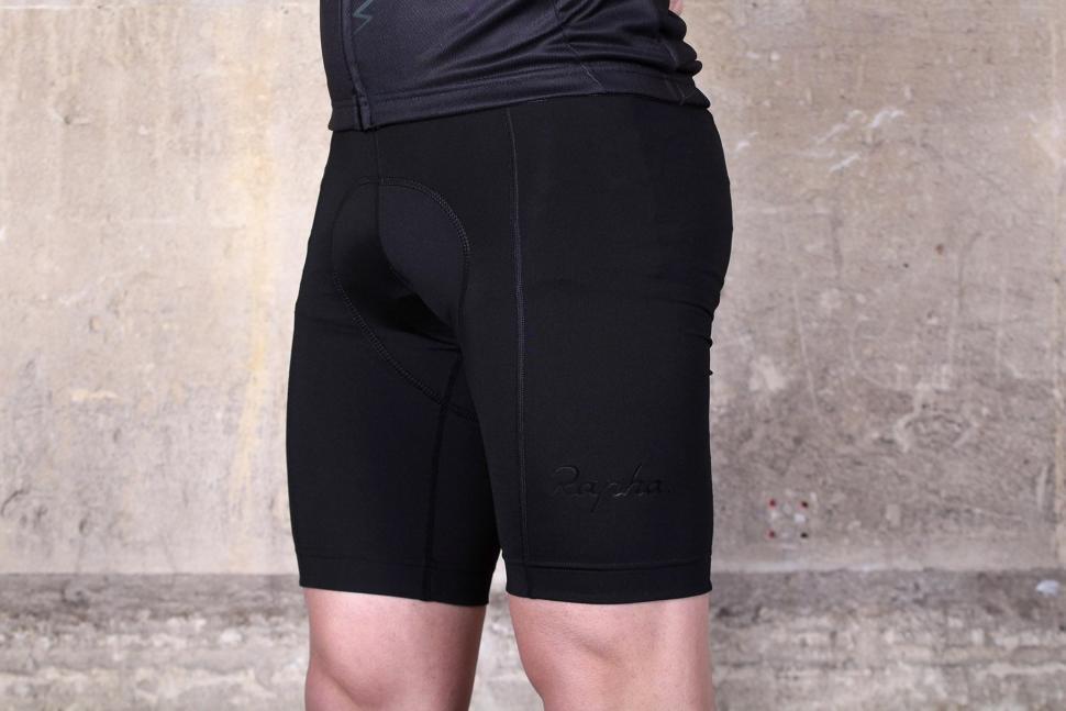 Rapha Classic Bib shorts II - side.jpg