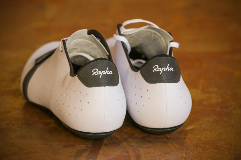 Rapha Classic Shoes - heels.jpg