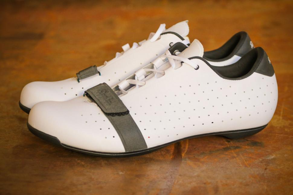 Rapha Classic Shoes - side.jpg