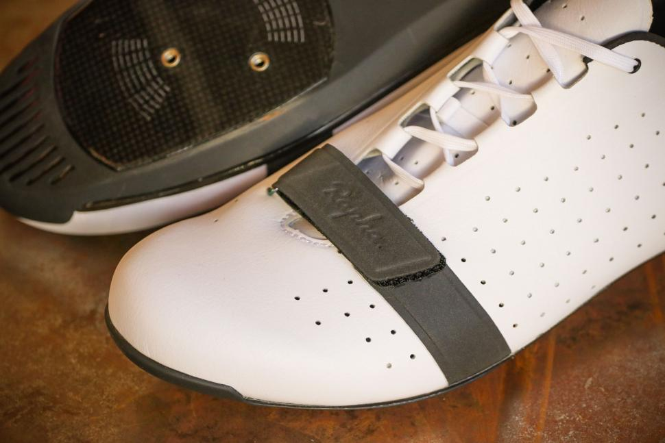 Rapha Classic Shoes - toe.jpg