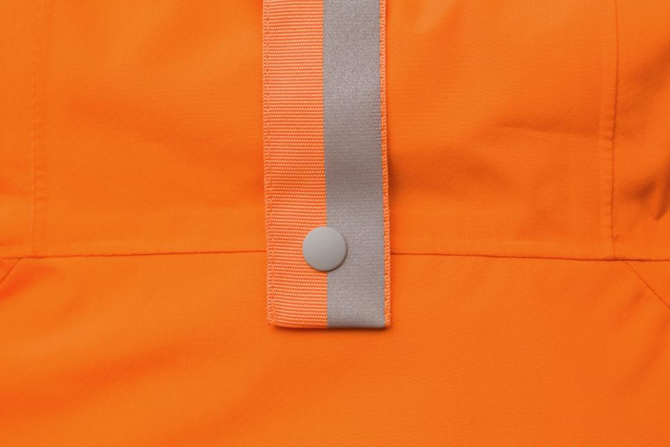 Rapha Commuter Jacket 2018 - 10.jpg