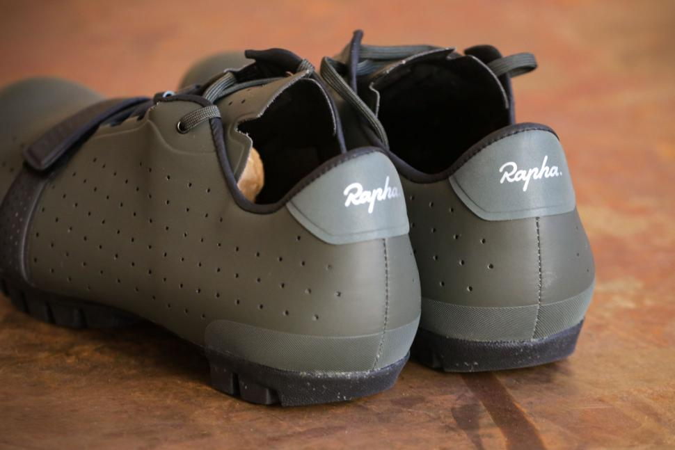 Rapha Explore Shoe - heels.jpg