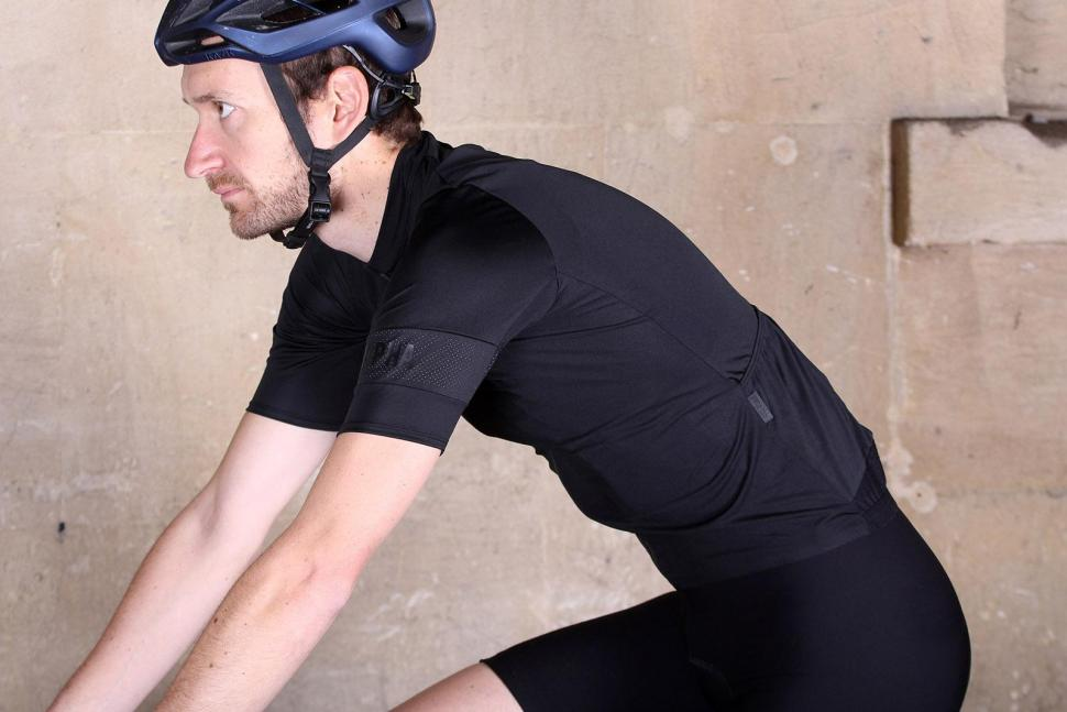 Rapha Pro Team Flyweight Jersey - riding.jpg